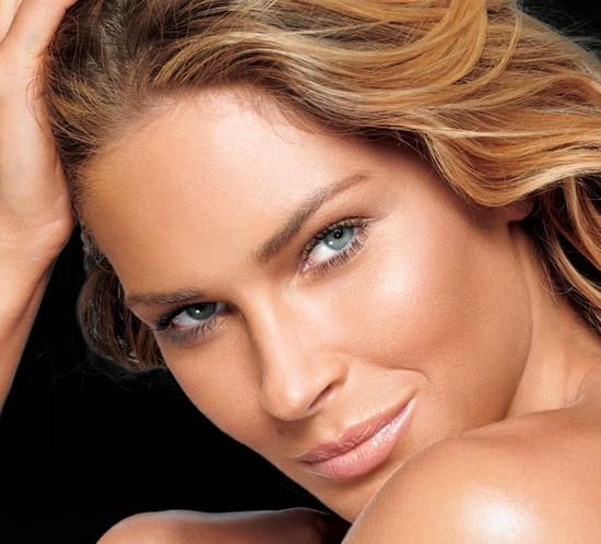 Intensifică-ți claritatea feței; utilizează bronzant